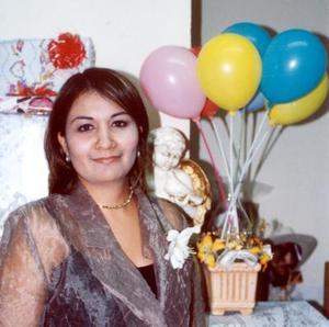 Belem Briones Morales captada en la despedida de soltera que le ofrecieron en fechas pasadas.