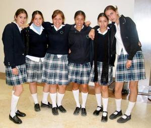 Bárbara, Maryfer, Carmina, Adriana, Ana Laura e Ilse.