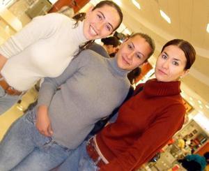 Marcela Oviedo, María Elena Pérez y Mónica García.
