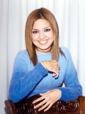 <u>02 de diciembre</u><p> Señorita Perla Patriicia Luján Morales festejó sus 17 años de vida.