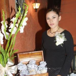 <u>03 de diciembre </u><p> Adriana Gutiérrez en la despedida de soltera que le ofrecieron en días pasados