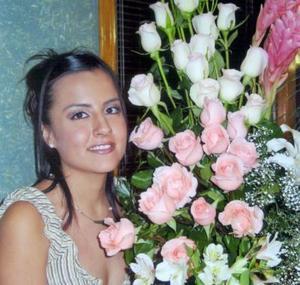 Ivonne Chávez Ríos en su despedida de soltera.