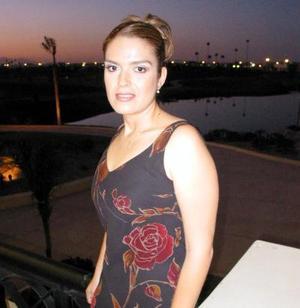 Liliana Delasse Sánchez fue despedida de su soltería por su próxima boda con Ernesto Grham.
