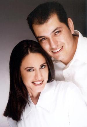 Cinthia Fierro Proa y Sergio Fernando Castañón Martínez contrajeron matrimonio recientemente.