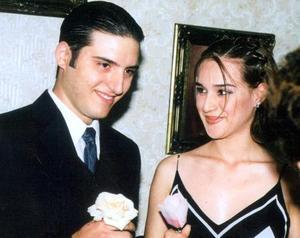 David Eleuterio López Cabello y Elizabeth Garay Espino contrajeron matrimonio recientemente.