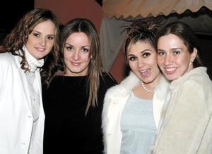 Mayte Cobián, Mónica Ávila, Monse Necochea y Katy Lozano.