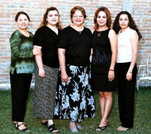 Margarita Pámanes de Lozano celebró su cumpleaños en días pasados acompañada por Blanca Vega de Rodríguez, Marisol Salas, Cristy Landeros de Bernal y Carmen Fernández de Ruiz.