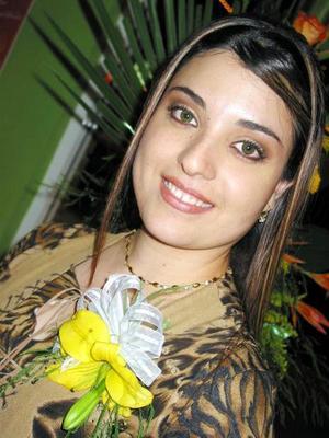 <u>06 de diciembre </u><p> Por su próximo enlace festejan a Laura Dafne Carrillo Ramos.
