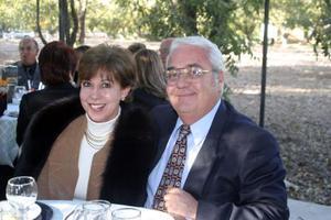 Susy de Rodríguez y Felipe Rodríguez.