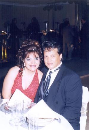 <u>07 de diciembre </u><p> Yolanda Salazar de Sánchez y Gerardo Sánchez Vitela en pasado acontecimiento social.