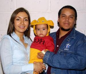 <u>08 de diciembre </u><p> Una fiesta infantil le organizaron con  motivo de su primer cumpleaños a Diego Homero Ruiz Gálvez sus padres, Homero Ruiz Ávila y Úrsula Gálvez de Ruiz.