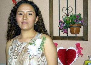 Marcela Martínez Ceniceros captada en la despedida de soltera que le organizaron en fechas pasadas.