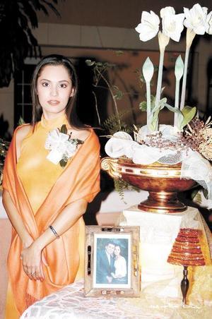 <i>08 de diciembre </i><p> Señorita Cecilia Robles Hernández contraerá matrimonio con el Lic. Julio Castañeda Pech.