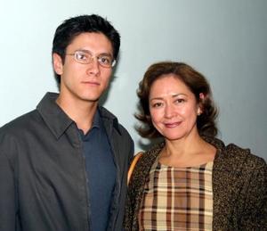 <u>09 de diciembre</u><p> Federico López Hernández y Josefina Hernández de López captados recientemente.
