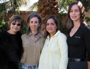 <u>10 de diciembre</u><p> Eva López de Aguilera, Gabriela de Peters de Del Río, Canela Portillo de Amarante y Mimo Sofía.