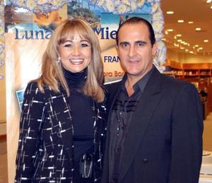 María de los Ángeles Mijares y José Ángel Fernández captados en pasado acontecimiento social.