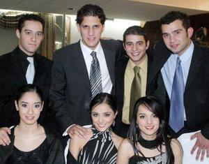 <u>11 de diciembre </u><p> Antonio de la Fuente, Bárbara y Sofía Gurza, Robert Nahle y Manuel Nahle, Karla W. Borunda y G.C. Domínguez.