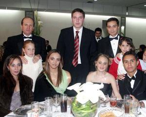 Geraldina y Marcelo Muñoz Ledo; Mauricio y Maggida Nahle; Daniel Berumen, Flor y Miguel Nahle; Camila y Geraldina Muñoz Ledo; Begoña y Natalia Nahle.
