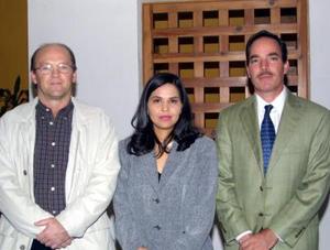 Antonio Villarreal, Blanca Herrera y Roberto Quezada captados en pasado acontecimiento social.