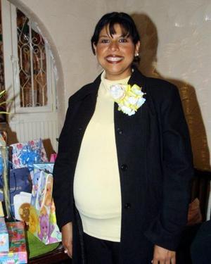 María Dolores Sánchez Lara disfrutó de una fiesta de canastilla.