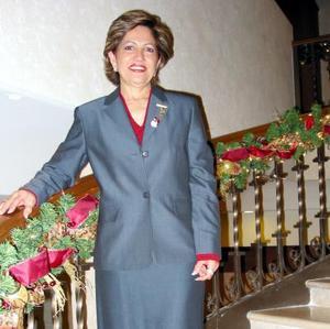 Alicia de Cárdenas en una fiesta navideña.