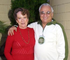 <u>10 de diciembre </u><p> María Valdez de Rivera y Jorge Rivera el día que festejaron sus 43 años de matrimonio.