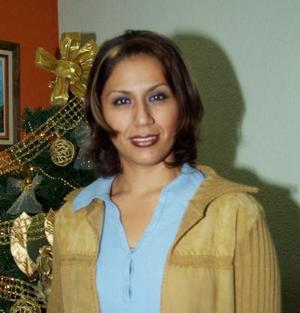 Brenda Ríos Contreras fue festejada con una reunión con motivo de su cumpleaños.