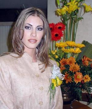 Señorita Ana Máynez Varela contraerá matrimonio con Horacio González Berlanga el 20 de febrero de  2004.