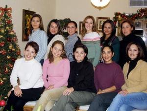 Paola Gutiérrez de Villalobos, Verónica Villarreal de García, Vanessa Díaz de León,  Carmen de Vargas, Ana Borbolla, Flor Carmona, Liz Vázquez, Cristy Salgado, Ana García, Karen Acuña y Claudia Fernández.