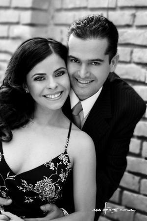 Arq. Ricardo Fiscal Arcaute y Lic. Sonia García Guzmán efectuaron su presentación religiosa en la parroquia de La Sagrada Familia y contrajeron matrimonio el cinco de diciembre de 2003.