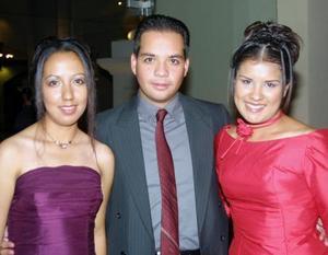 Consuelo de la Paz, Luis Salazar y Ana Luisa Encerrado.
