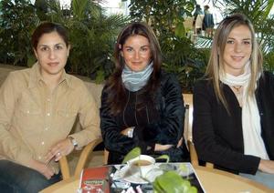 Gisela Fernández, Susana Cruz y Ana Portilla.