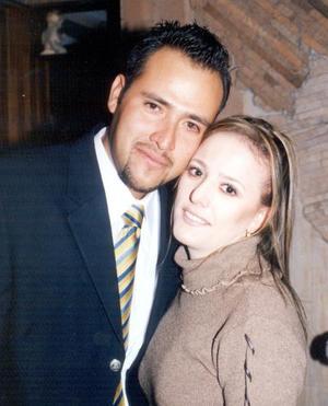 Ing. Hugo Cuitláhuac Meléndez Castañeda y Lic. María del Carmen Montes Escobedo efectuaron su presentación religiosa el 29 de noviembre de 2003