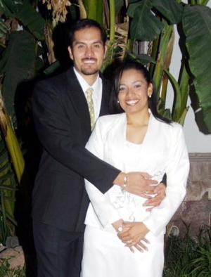 Lic. Ricardo Ángel García Arévalo y Srita. Liliana Martínez Hernández contrajeron matrimonio civil el seis de diciembre de 2003.