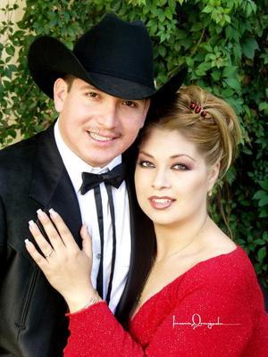 Sr. Nicolás Sánchez Aragón y Srita. Mayra Ilenia Garibay Soto contrajeron matromonio civil el 23 de noviembre de 2003.