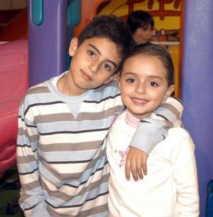 Hugoalexi y Elexa Núñez R. festejaron su octavo y quinto cumpleaños respectivamente en una fiesta infantil.
