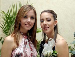 <u> 16 de diciembre </u> <p>   Margarita Tosca Castañeda acompañada de su hermanita Mónica Tosca Castañeda en la despedida de sotlera que le ofrecieron en días pasados