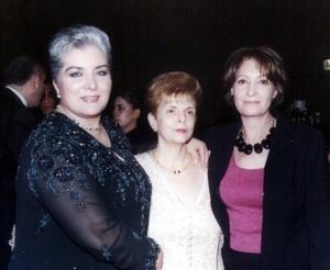 <u>17 de diciembre</u> <p> Señoras Martha Álvarez, María Elena Cruz de Álvarez y Elvia Díaz.