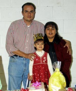 Mari Tere Wong Robles celebró su tercer cumpleaños con un convivio infantil preparado por sus papás Norberto Wong y María Teresa Robles de Wong.