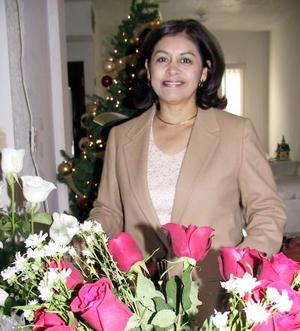 <u> 17 de diciembre </u> <p> Rosy Hernández de Leal festejó su cumpleaños en días pasados con un grato convivio.