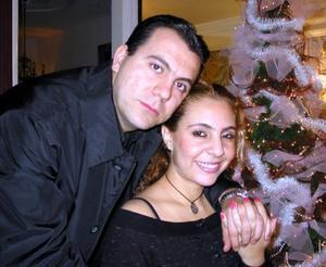 <u>18 de diciembre </u><p> Mauricio Chibli Bechalani y Bety Garza del Valle.