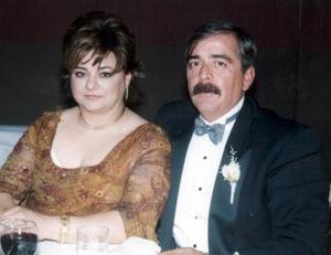 <u>18 de diciembre</u> <p> María de Lourdes V. de Álvarez y Rafael Álvarez Cruz