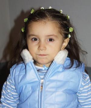 Natalia Estefanía Díaz López cumplió tres años de vida, es hija de los señores Ramiro Julio Díaz Villarreal y Mónica López Ríos.