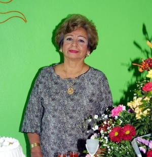 Estela Cáceres recibió numerosas felicitaciones por su cumpleaños.