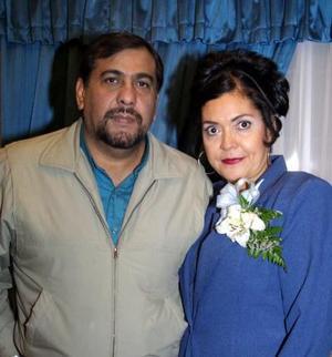 Los señores Arnulfo Pérez y Ana López Bugarín  celebraron en días pasados su 25 aniversario de boda