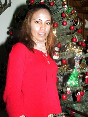 <u> 20 de diciembre </u> <p> Claudia Mayela Castañeda López celebró su cumpleaños con un festejo organizado por su mamá Rosa María López de Castañeda.