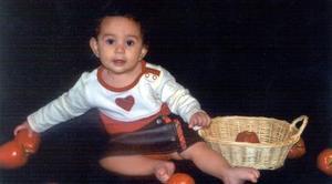 Kassandra Rodríguez Macías celebró el pasado 15 de diciembre su primer año de vida, la felicitaron sus papás, Ricardo Rodríguez y Libia Macías.
