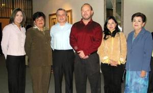Irma González Luna, Antonieta Navarro, Sergio de la Parra, Rodolfo Garza Solares, Martha Echevarria y Rita Reyes, en pasado convivio social.