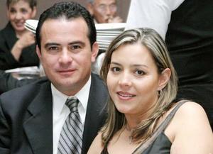 Jorge Antonio Cayetano Sánchez y Blanca Fernández de Cayetano.
