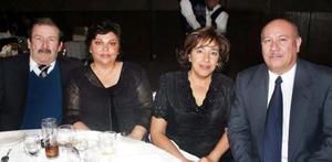 Felipe Maycotte, Alicia de Maycotte, Héctor Gurrola y Juanina de Gurrola en pasado acontecimiento social.